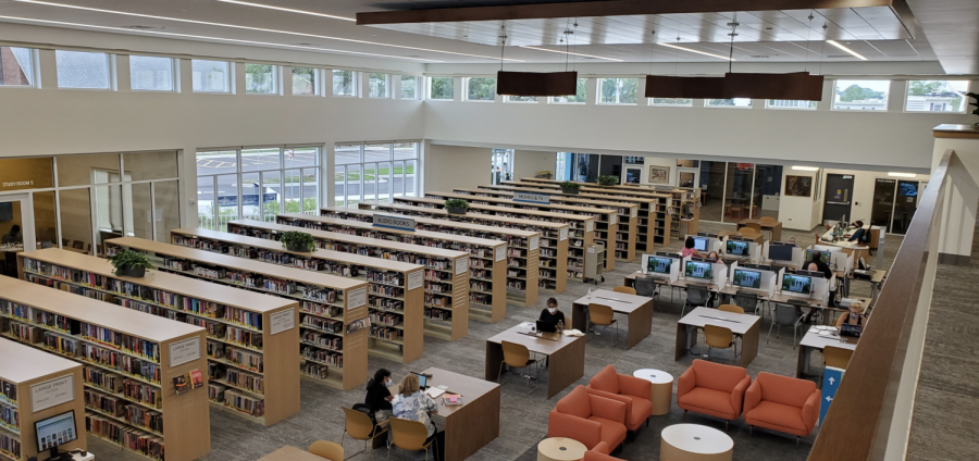 The+renovated+library+consists+of+more+windows+to+allow+natural+light+in%2C+along+with+plenty+of+desks+and+chairs+for+individuals+to+work.+Photo+courtesy+of+Serena+Thakkar.
